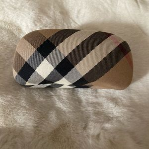 Burberry authentic sunglasses case no sunglasses
